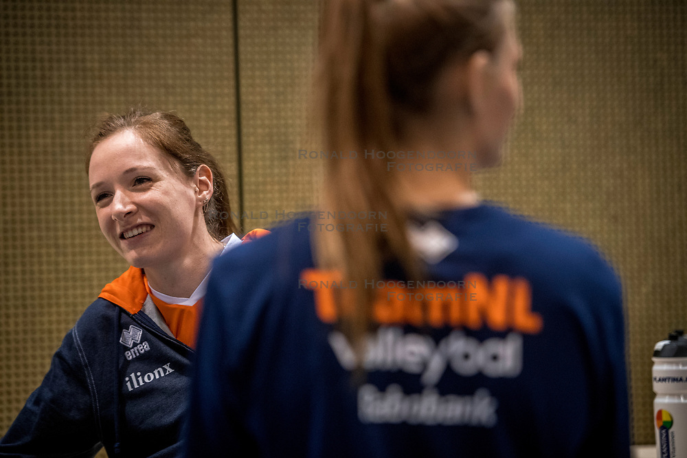 10-05-2018 NED: Training Dutch volleyball team women, Arnhem<br /> Lonneke Sloetjes #10 of Netherlands