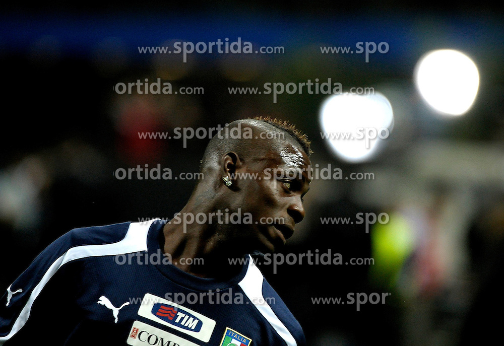16.10.2012, Giuseppe Meazza Stadion, Mailand, ITA, FIFA WM Qualifikation, Italien vs Daenemark, im Bild Mario Balotelli // during the FIFA World Cup Qualifier Match between Italy and Denmark at the Stadio Giuseppe Meazza, Milano, Italy on 2012/10/16. EXPA Pictures © 2012, PhotoCredit: EXPA/ Insidefoto/ ATTENTION - for AUT, SLO, CRO, SRB, SUI and SWE only *****