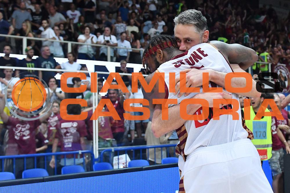 Marquez Haynes, Tomas Ress<br /> Dolomiti Energia Trento - Umana Reyer Venezia<br /> Lega Basket Serie A 2016-2017<br /> Playoff FINALE Gara 6<br /> Avellino 20/06/2017<br /> Foto Ciamillo-Castoria