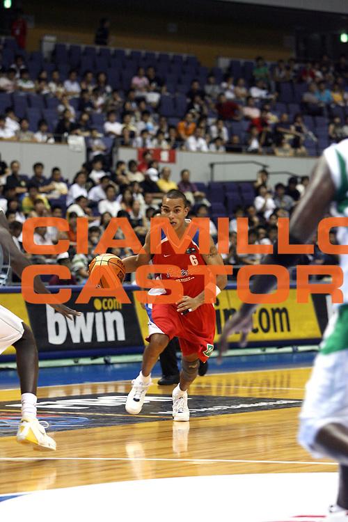 DESCRIZIONE : Sapporo Giappone Japan Men World Championship 2006 Campionati Mondiali Senegal-Puerto Rico <br /> GIOCATORE : Hatton <br /> SQUADRA : Puerto Rico Porto Rico <br /> EVENTO : Sapporo Giappone Japan Men World Championship 2006 Campionato Mondiale Senegal-Puerto Rico <br /> GARA : Senegal Puerto Rico Senegal Porto Rico <br /> DATA : 20/08/2006 <br /> CATEGORIA : Palleggio <br /> SPORT : Pallacanestro <br /> AUTORE : Agenzia Ciamillo-Castoria/E.Castoria <br /> Galleria : Japan World Championship 2006<br /> Fotonotizia : Sapporo Giappone Japan Men World Championship 2006 Campionati Mondiali Senegal-Puerto Rico <br /> Predefinita :