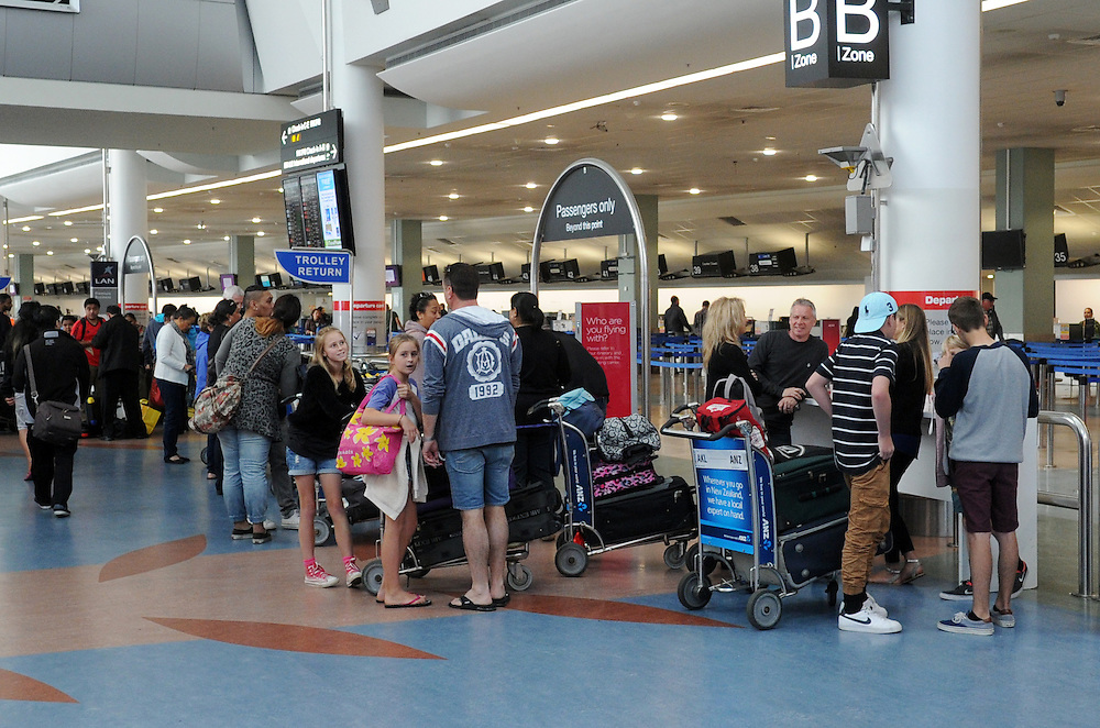 Departures, passengers check in, Auckland International Airport, Mangere, Auckland, New Zealand, Tuesday, October 28, 2014. Credit:SNPA / Ross Setford