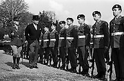 28/04/1965<br /> 04/28/1965<br /> 28 April 1965<br /> New American Ambassador presents Credentials. His Excellency Raymond Richard Guest , (left) American Ambassador, accompanied by Lieutenant Michael O'Gorman outside Aras an Uachtarain inspecting the Guard of Honour. This was the Ambassador's first diplomatic posting.