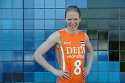 02-06-2010 VOLLEYBAL: NEDERLANDS VROUWEN VOLLEYBAL TEAM: ALMERE<br /> Reportage Nederlands volleybalteam vrouwen / Alice Blom<br /> ©2010-WWW.FOTOHOOGENDOORN.NL