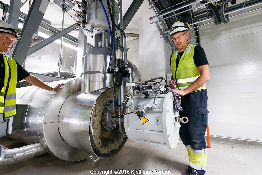 &Aring;rlige revisjonsstans p&aring; Returkraft p&aring; Langemyr Kristiansand Norge 21092016<br /> <br /> Foto: Kjell Inge S&oslash;reide<br /> <br />  <br /> Returkraft er et avfallsforbrenningsanlegg i Kristiansand som ble satt i drift i mai 2010. Anlegget ligger ved Langemyrterminalen, 5 km nord for Kvadraturen i Kristiansand, og produserer fjernvarme og elektrisitet.