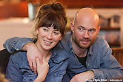 Portrait lors d'amoureux du Mile End Lovers. Organisée par la fée Patsy   au Depaneur Café, 206 Bernard O, Mile End / Montreal / Canada / 2016-02-04, Photo © Marc Gibert / adecom.ca