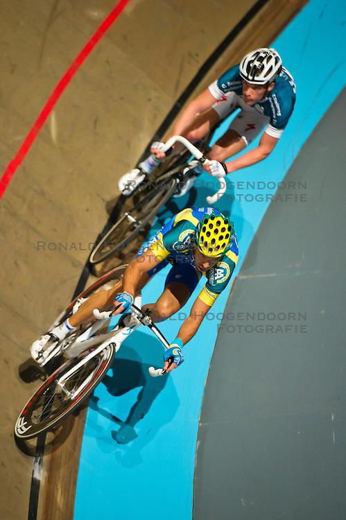 08-01-2012 WIELRENNEN: RABOBANK ZESDAAGSE: ROTTERDAM<br /> (L-R) Danny Stam - AA Drink, Iljo Keisse<br /> (c)2012-FotoHoogendoorn.nl / Peter Schalk