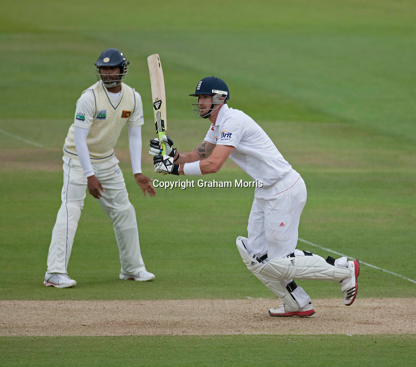 Kevin Pietersen bats during the second npower Test Match between England and Sri Lanka at Lord's.  Photo: Graham Morris (Tel: +44(0)20 8969 4192 Email: sales@cricketpix.com) 06/06/11
