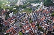Nederland, Utrecht, Oudewater, 19-09-2009; 17e eeuws stadje met beschermd stadsgezicht aan de Hollandsche IJssel, bekend van onder andere de Heksenwaag en de Hervormde Grote of Sint-Michaëlskerk (hallenkerk, 15de eeuw)..17th century town, known for its Witch Weighhouse and its Reformed Great Church of Saint Michael (church hall, 15th century.luchtfoto (toeslag), aerial photo (additional fee required).foto/photo Siebe Swart