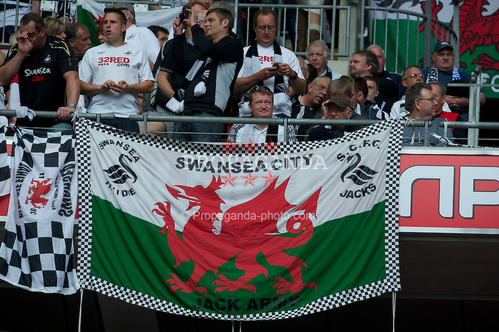 LONDON, ENGLAND - Saturday, May 30, 2011: Swansea City supporters before the Football League Championship Play-Off Final match against Reading at Wembley Stadium. (Photo by David Rawcliffe/Propaganda)