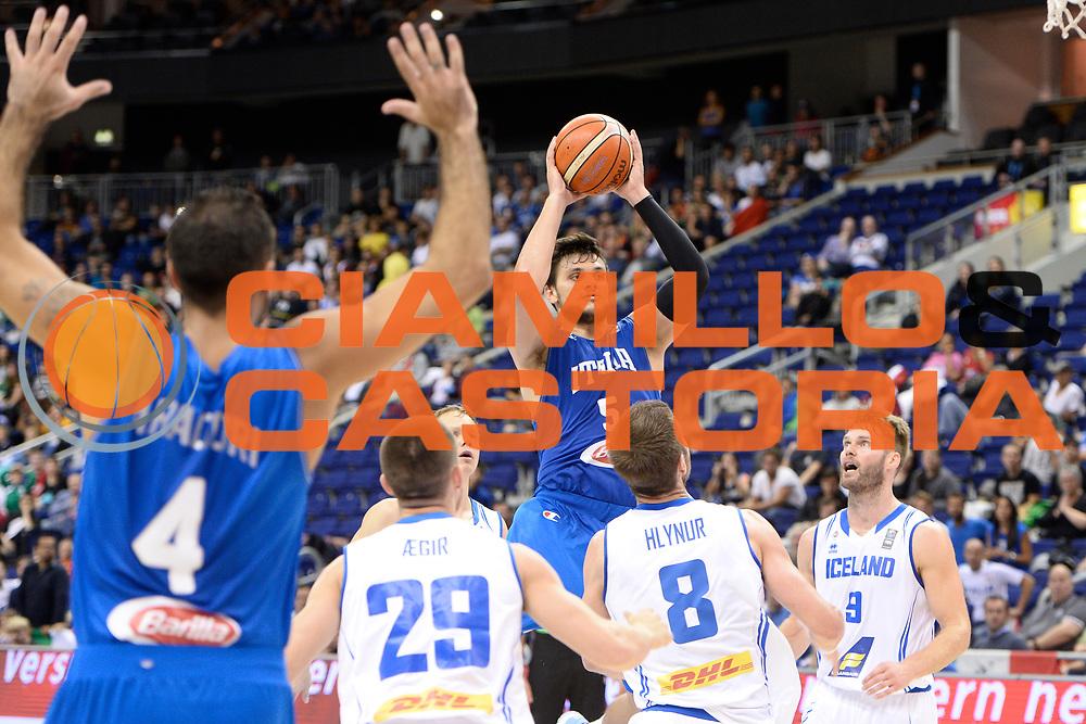DESCRIZIONE : Berlino Berlin Eurobasket 2015 Group B Iceland Italy <br /> GIOCATORE :Alessandro Gentile<br /> CATEGORIA :Tiro equilibrio difesa curiosit&agrave; sequenza<br /> SQUADRA : Italy<br /> EVENTO : Eurobasket 2015 Group B <br /> GARA : Iceland Italy <br /> DATA : 06/09/2015 <br /> SPORT : Pallacanestro <br /> AUTORE : Agenzia Ciamillo-Castoria/Mancini Ivan<br /> Galleria : Eurobasket 2015 <br /> Fotonotizia : Berlino Berlin Eurobasket 2015 Group B Iceland Italy