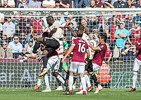 Football - 2018 / 2019 Premier League - West Ham United vs. Manchester United<br /> <br /> Romelu Lukaku (Manchester United) with one the few chances to come his way at the London Stadium<br /> <br /> COLORSPORT/DANIEL BEARHAM