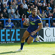 Ryan Atkins of Warrington Wolves races away to score his try against Hull Kingston Rovers during the Betfred Super League match at the Halliwell Jones Stadium, Warrington<br /> Picture by Stephen Gaunt/Focus Images Ltd +447904 833202<br /> 14/04/2018