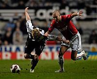 Photo: Jed Wee/Sportsbeat Images.<br /> Newcastle United v AZ Alkmaar. UEFA Cup. 08/03/2007.<br /> <br /> Newcastle's Damien Duff (L) tries to get away from Alkmaar's Gretar Steinsson.