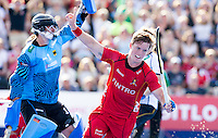 LONDON -  Unibet Eurohockey Championships 2015 in  London. 04 Germany v Belgium (4-0)  .  Celebrating Tom Boon of Belgium scored but the goal was not given. left Nicolas Jacobi (Gk) . WSP Copyright  KOEN SUYK