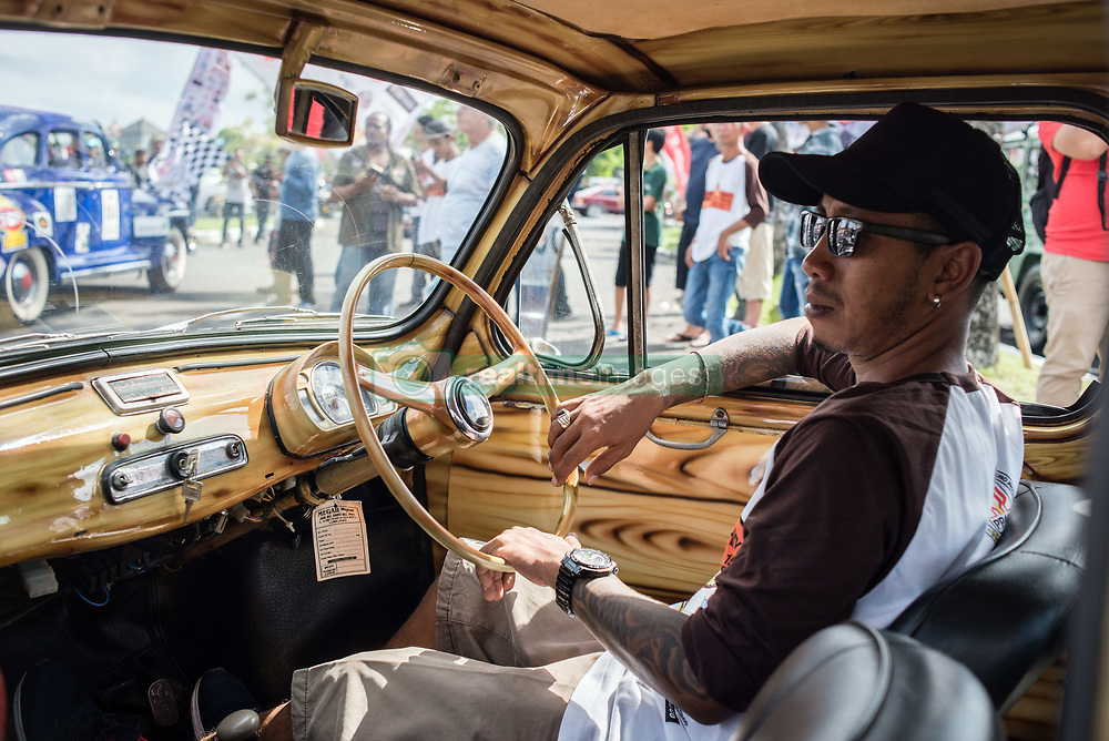 November 18, 2018 - Bali, Indonesia - The ''Emphaty Tour Lombok'' has been held by the Indonesian Vintage and Classic Cars Association (PPMKI) as a form of concern for the earthquake disaster that have devastated the Indonesian island of Lombok on August 2018 (a total of  563 dead, +1,000 injured), Denpasar, Bali, Indonesia, on November 18, 2018  (Credit Image: © Oleksandr Rupeta/NurPhoto via ZUMA Press)