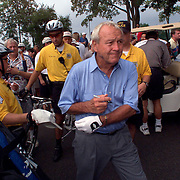 des moines, sept. 6 -- Arnold Palmer heads to the first tee at Glen Oaks Country Club Thursday after signing autographs.  photo by david peterson