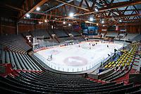 BILDET KAN KUN BRUKES I REDAKSJONELL SAMMENHENG<br /> <br /> BILDET INNGÅR IKEK I FASTAVTALER. ALL NEDLASTING BLIR FAKTURERT.<br /> <br /> Ishockey<br /> 06.10.2015<br /> Foto: Gepa/Digitalsport<br /> NORWAY ONLY<br /> <br /> HAMAR,NORWAY,06.OCT.15 - ICE HOCKEY - CHL, Champions Hockey League, play off, Storhamar Hockey vs EC Red Bull Salzburg, preview, training of EC RBS. Image shows an overview.