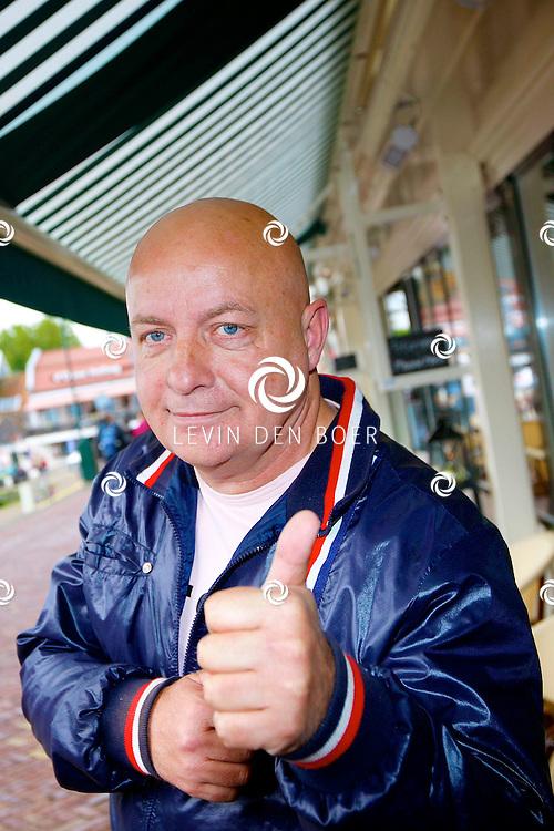 VOLENDAM - In hotel The Old Dutch is een cd presentatie gehouden. Met op de foto  Willie Oosterhuis. FOTO LEVIN DEN BOER - PERSFOTO.NU