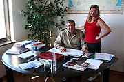 Foto di Donato Fasano Photoagency, nella foto : 13 07 2009 Bari Fluidotecnica zona industriale inventori della macchina che scinde l'olio dall'acqua nella foto Michele Sanseverino e la moglie Carnmela Campanelli