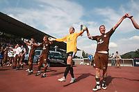 Jena , 190807 , Saison 2007/2008 ; Fussball 2.Bundesliga FC Carl Zeiss Jena , FC Carl Zeiss Jena - FC St. Pauli  Die Mannschaft von St. Pauli jubelt nach dem Spiel