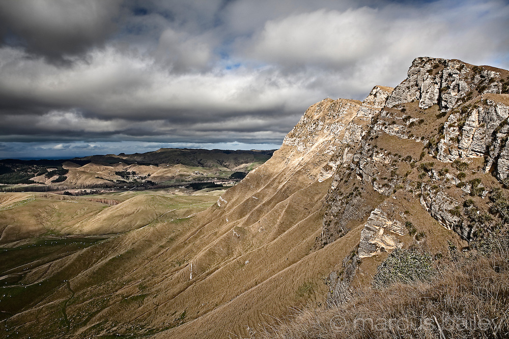 te mata peak outcrop protrudes impressively high above the heretaunga plains at havelock north, hawkes bay, new zealand