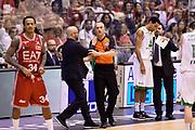 DESCRIZIONE : Campionato 2013/14 Finale Gara 7 Olimpia EA7 Emporio Armani Milano - Montepaschi Mens Sana Siena Scudetto<br /> GIOCATORE : Carmelo Paternico Arbitro Simone Casali<br /> CATEGORIA : Fairplay Arbitro<br /> SQUADRA : Olimpia EA7 Emporio Armani Milano Arbitro<br /> EVENTO : LegaBasket Serie A Beko Playoff 2013/2014<br /> GARA : Olimpia EA7 Emporio Armani Milano - Montepaschi Mens Sana Siena<br /> DATA : 27/06/2014<br /> SPORT : Pallacanestro <br /> AUTORE : Agenzia Ciamillo-Castoria /GiulioCiamillo<br /> Galleria : LegaBasket Serie A Beko Playoff 2013/2014<br /> FOTONOTIZIA : Campionato 2013/14 Finale GARA 7 Olimpia EA7 Emporio Armani Milano - Montepaschi Mens Sana Siena<br /> Predefinita :