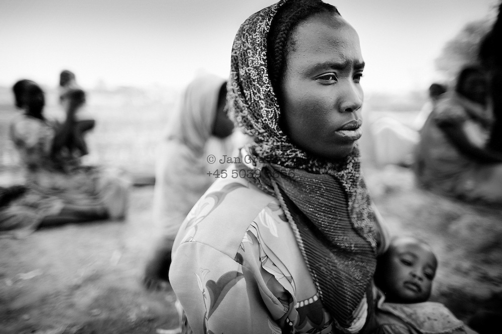 Goz Beida, Chad - <br /> a sudanese refugee at a small field outside Goz Amir camp near KouKou - Eastern Chad - March 2007.