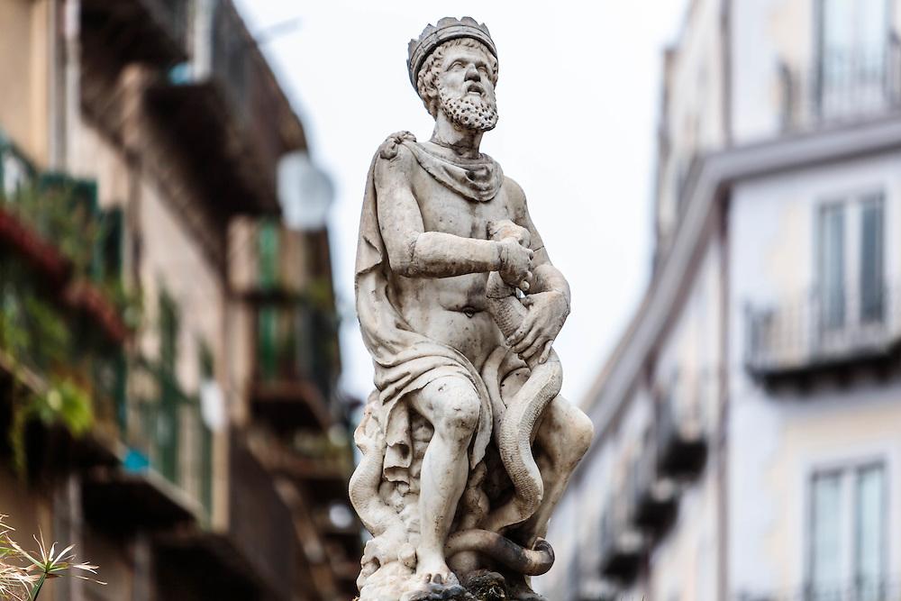 Palermo: il Genio di piazza Rivoluzione.