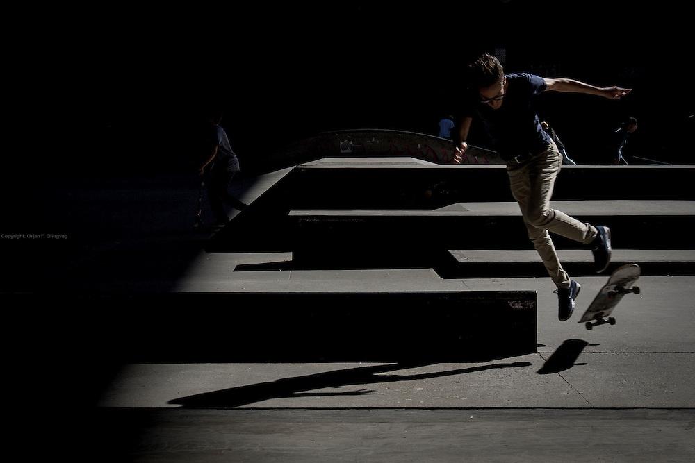 Skateboard park underneath Manhattan Bridge
