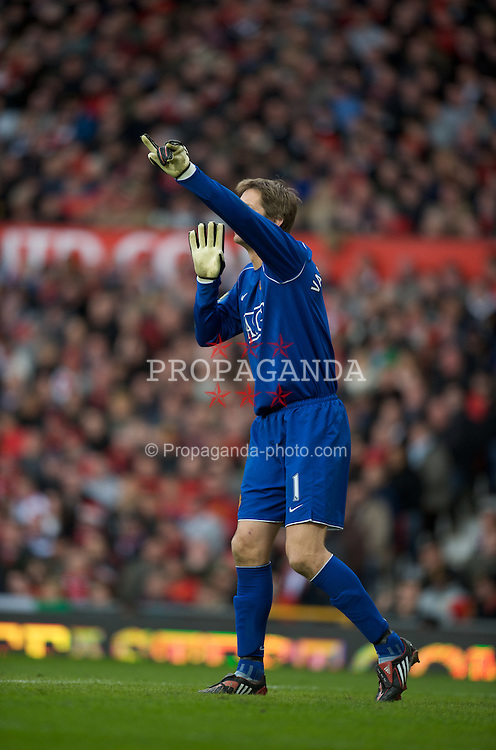 MANCHESTER, ENGLAND - Sunday, March 23, 2008: Manchester United's goalkeeper Edwin Van Der Sar during the Premiership match against Liverpool at Old Trafford. (Photo by David Rawcliffe/Propaganda)