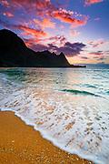 Sunset over the Na Pali Coast from Tunnels Beach, Haena State Park, Kauai, Hawaii USA