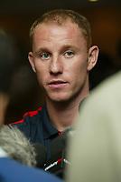 Fotball<br /> Foto: SBI/Digitalsport<br /> NORWAY ONLY<br /> <br /> Pressekonferanse England<br /> <br /> 07.10.2004<br /> <br /> Nicky Butt talks to the press
