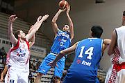 DESCRIZIONE : Roseto degli Abruzzi Torneo Bandiera Blu Italia Croazia<br /> GIOCATORE : Luigi Datome<br /> SQUADRA : Nazionale Italia Uomini <br /> EVENTO : Torneo Internazionale Bandiera Blu di Roseto degli Abruzzi<br /> GARA : Italia Croazia<br /> DATA : 30/05/2008 <br /> CATEGORIA : tiro<br /> SPORT : Pallacanestro <br /> AUTORE : Agenzia Ciamillo-Castoria/E.Castoria<br /> Galleria : Fip Nazionali 2008<br /> Fotonotizia : Roseto degli Abruzzi Torneo Bandiera Blu Italia Croazia<br /> Predefinita : si
