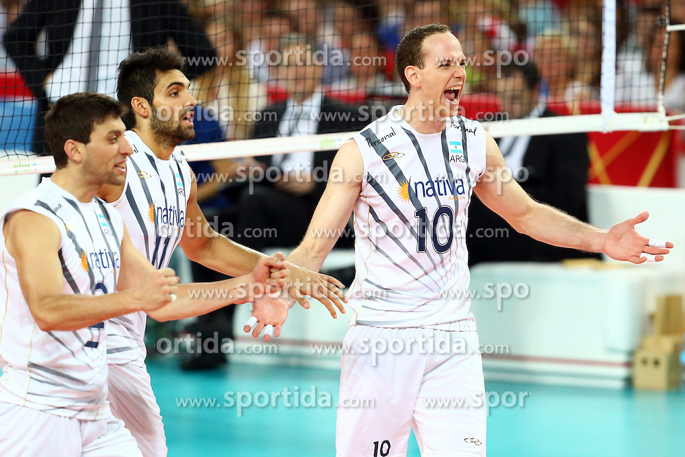 06.09.2014, Jahrhunderthalle, Breslau, POL, FIVT WM, Argentinien vs Australien, Gruppe A, im Bild (L) JAVIER FILARDI, (C) SEBASTIAN SOLE, (P) JOSE LUIS GONZALEZ // during the FIVB Volleyball Men's World Championships Pool A Match beween Argentina and Australia at the Centennial Hall in Wroclaw, Poland on 2014/09/06. EXPA Pictures &copy; 2014, PhotoCredit: EXPA/ Newspix/ Jakub Piasecki<br /> <br /> *****ATTENTION - for AUT, SLO, CRO, SRB, BIH, MAZ, TUR, SUI, SWE only*****