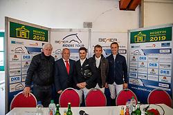 SCHOCKEMÖHLE Paul (Veranstalter), BACKHAUS Till (Minister), KOLLER Felix (AUT), HETZEL Holger (GER), STUEHLMEYER Patrick (GER)<br /> Redefin - Pferdefestival 2019<br /> Pressekonferenz<br /> Championat des Landes Mecklenburg-Vorpommern<br /> BEMER Riders Tour – Qualifikation zur Wertungsprüfung<br /> Große Tour - Int. Weltranglisten-Springprüfung (1,50m) mit Stechen<br /> 25. Mai 2019<br /> © www.sportfotos-lafrentz.de/Stefan Lafrentz