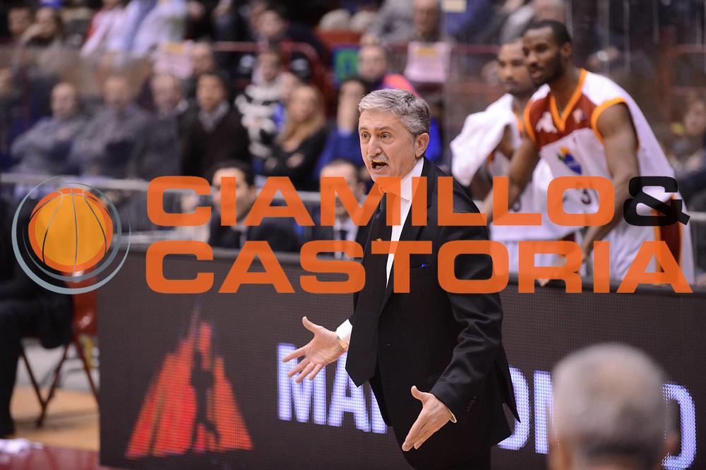 DESCRIZIONE : Milano Coppa Italia Final Eight 2013 Semifinale Acea Roma Cimberio Varese<br /> GIOCATORE : Marco Calvani<br /> CATEGORIA : coach ritratto delusione scelta<br /> SQUADRA : Acea Roma Cimberio Varese<br /> EVENTO : Beko Coppa Italia Final Eight 2013<br /> GARA : Acea Roma Cimberio Varese<br /> DATA : 09/02/2013<br /> SPORT : Pallacanestro<br /> AUTORE : Agenzia Ciamillo-Castoria/C.De Massis<br /> Galleria : Lega Basket Final Eight Coppa Italia 2013<br /> Fotonotizia : Milano Coppa Italia Final Eight 2013 Quarti di Finale Semifinale Acea Roma Cimberio Varese<br /> Predefinita :