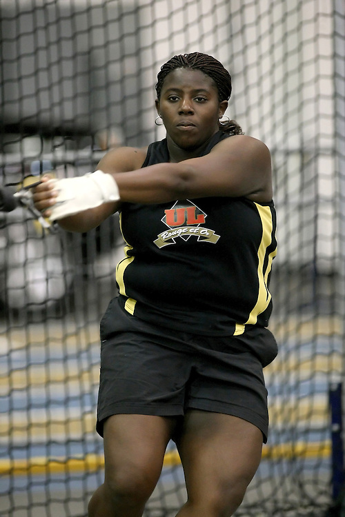 Windsor, Ontario ---12/03/09--- Caroline Sow of  Universit? Laval competes in the Women's Weight Throw at the CIS track and field championships in Windsor, Ontario, March 12, 2009..Sean Burges Mundo Sport Images