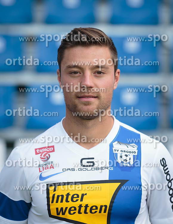 15.09.2015, Das Goldberg Stadion, Groedig, AUT, 1. FBL, Fototermin SV Groedig, im Bild Timo Brauer (SV Groedig) // during the official Team and Portrait Photoshoot of Austrian Football Bundesliga Team SV Groedig at the Das Goldberg Stadion, Groedig, Austria on 2015/09/15. EXPA Pictures © 2015, PhotoCredit: EXPA/ JFK