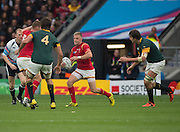 Twickenham, Great Britain, Wales, Gareth ANSCOMBE, withe ball during the Quarter Final 1 game, South Africa vs Wales.  2015 Rugby World Cup,  Venue, Twickenham Stadium, Surrey, ENGLAND.  Saturday  17/10/2015.   [Mandatory Credit; Peter Spurrier/Intersport-images]