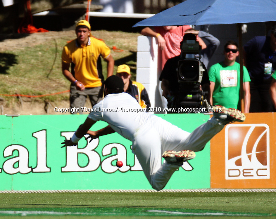 NZ's Daryl Tuffey misses a catch.<br /> 1st cricket test match - New Zealand Black Caps v Australia, day one at the Basin Reserve, Wellington.Friday, 19 March 2010. Photo: Dave Lintott/PHOTOSPORT