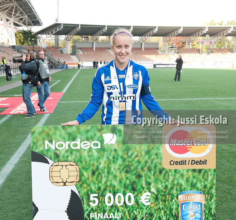 HJK - Ilves. Annika Kukkonen. Naisten Suomen Cupin finaali. Helsinki 25.9.2010. Photo: Jussi Eskola
