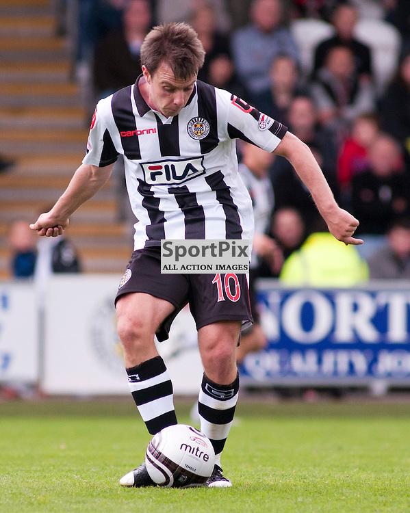 St Mirrens Paul McGowan ,St Mirren v Celtic, Scottish Premier League