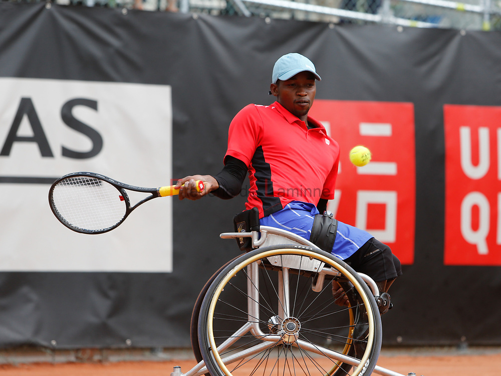 20170728 - Namur, Belgium : Evans Maripa (RSA) returns the ball during his 1/4th final match against Joachmim Gérard (BEL) at the 30th Belgian Open Wheelchair tennis tournament on 28/07/2017 in Namur (TC Géronsart). © Frédéric de Laminne