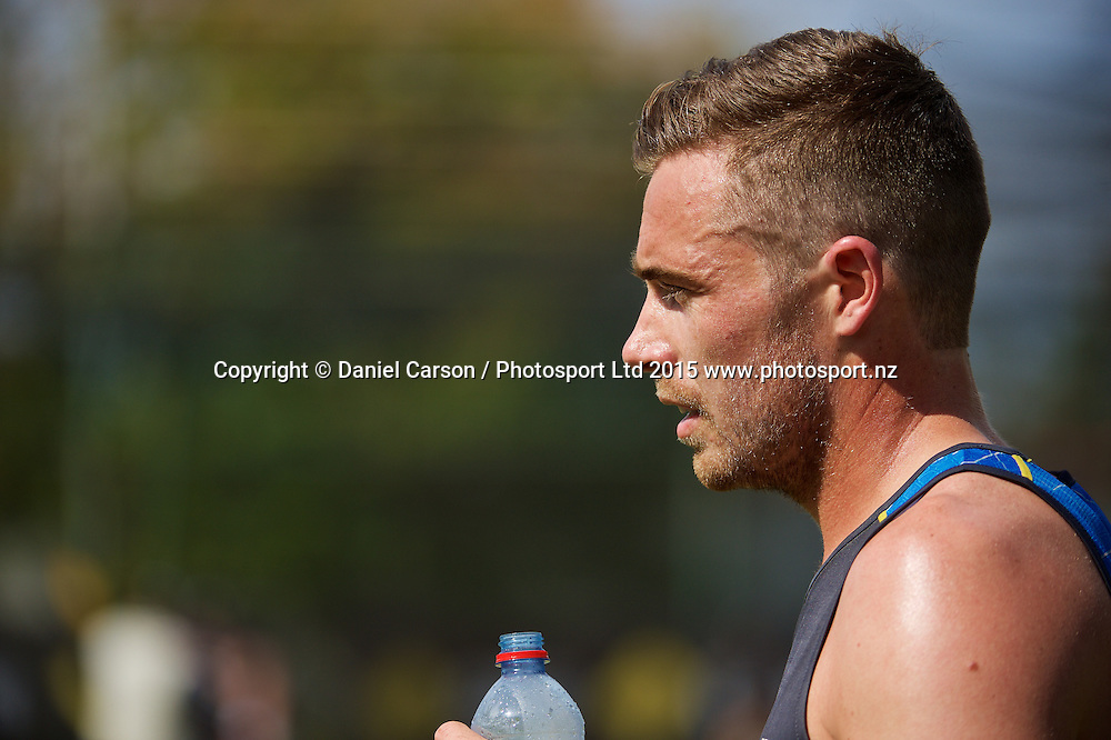 Tim Southee of the New Zealand Black Caps hydrates in the heat during the training session on the 12th of November 2015. The New Zealand Black Caps tour of Australia, 2nd test at the WACA ground in Perth, 13 - 17th of November 2015.   Photo: Daniel Carson / www.photosport.nz