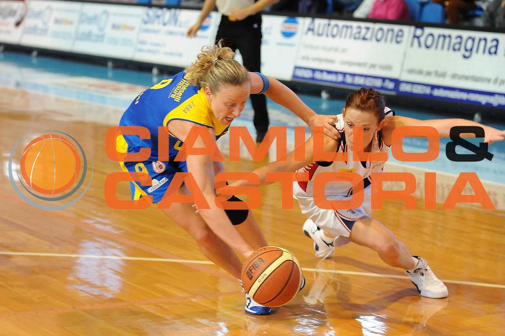 DESCRIZIONE : Faenza Lega A1 Femminile 2008-09 Coppa Italia Semifinale Cras Basket Taranto Lavezzini Parma <br /> GIOCATORE : Francesca Zara Megan Mahoney <br /> SQUADRA : Lavezzini Parma<br /> EVENTO : Campionato Lega A1 Femminile 2008-2009 <br /> GARA : Cras Basket Taranto Lavezzini Parma<br /> DATA : 07/03/2009 <br /> CATEGORIA : recupero super<br /> SPORT : Pallacanestro <br /> AUTORE : Agenzia Ciamillo-Castoria/M.Marchi<br /> Galleria : Lega Basket Femminile 2008-2009 <br /> Fotonotizia : Faenza Campionato Italiano Femminile Lega A1 2008-2009 Coppa Italia Semifinale Cras Basket Taranto Lavezzini Parma<br /> Predefinita :