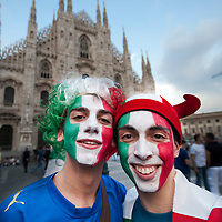 Milan (Italy) 20th June 2010  Italian fans in Piazza del Duomo Square in Milan get ready for today footbal match for the FIFA World Cup 2010 against New Zealand..***Agreed Fee's Apply To All Image Use***.Marco Secchi /Xianpix. tel +44 (0) 207 1939846. e-mail ms@msecchi.com .www.marcosecchi.com
