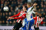 04-02-2016 VOETBAL:PSV-UTRECHT:BEKER:EINDHOVEN<br /> Luuk de Jong van PSV in duel met  Ramon Leeuwin van FC Utrecht <br /> <br /> Foto: Geert van Erven
