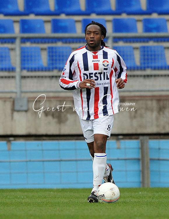27-03-2009 Voetbal:Willem II:RSC Anderlecht:Tilburg<br /> Kiki Musampa<br /> Foto: Geert van Erven