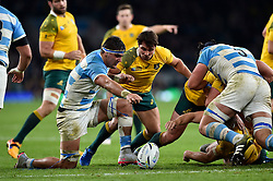 Scott Fardy of Australia competes for the ball with Nick Phipps of Australia - Mandatory byline: Patrick Khachfe/JMP - 07966 386802 - 25/10/2015 - RUGBY UNION - Twickenham Stadium - London, England - Argentina v Australia - Rugby World Cup 2015 Semi Final.