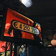 NLD/ENSCHEDE/20121222-SERIOUS REQUEST DAG 5 - En de tussenstand is